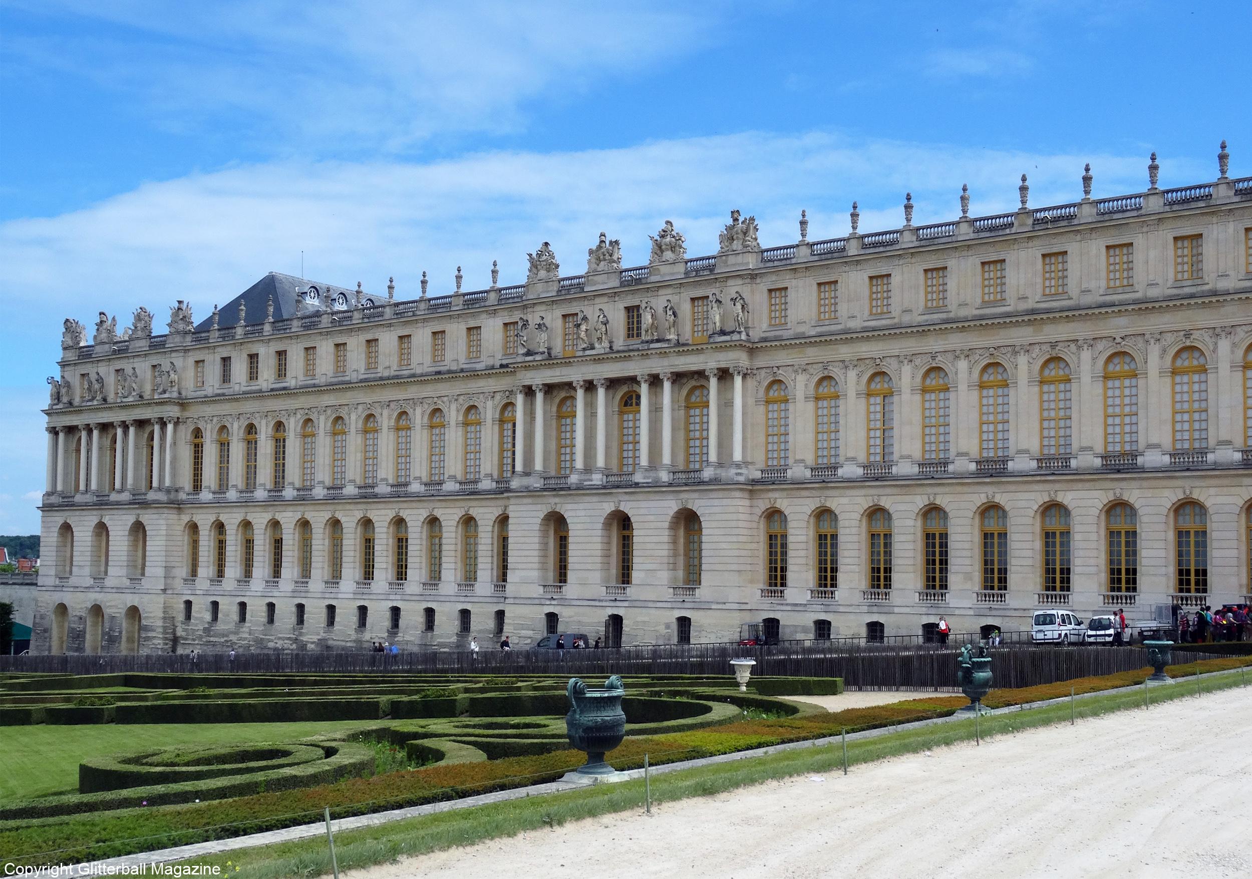 A trip to the luxurious chateau de versailles - Photo chateau de versailles ...