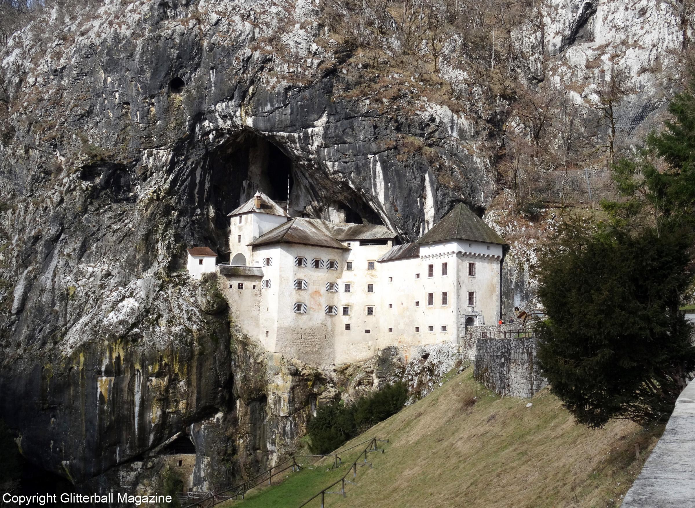 Predjama Castle 10