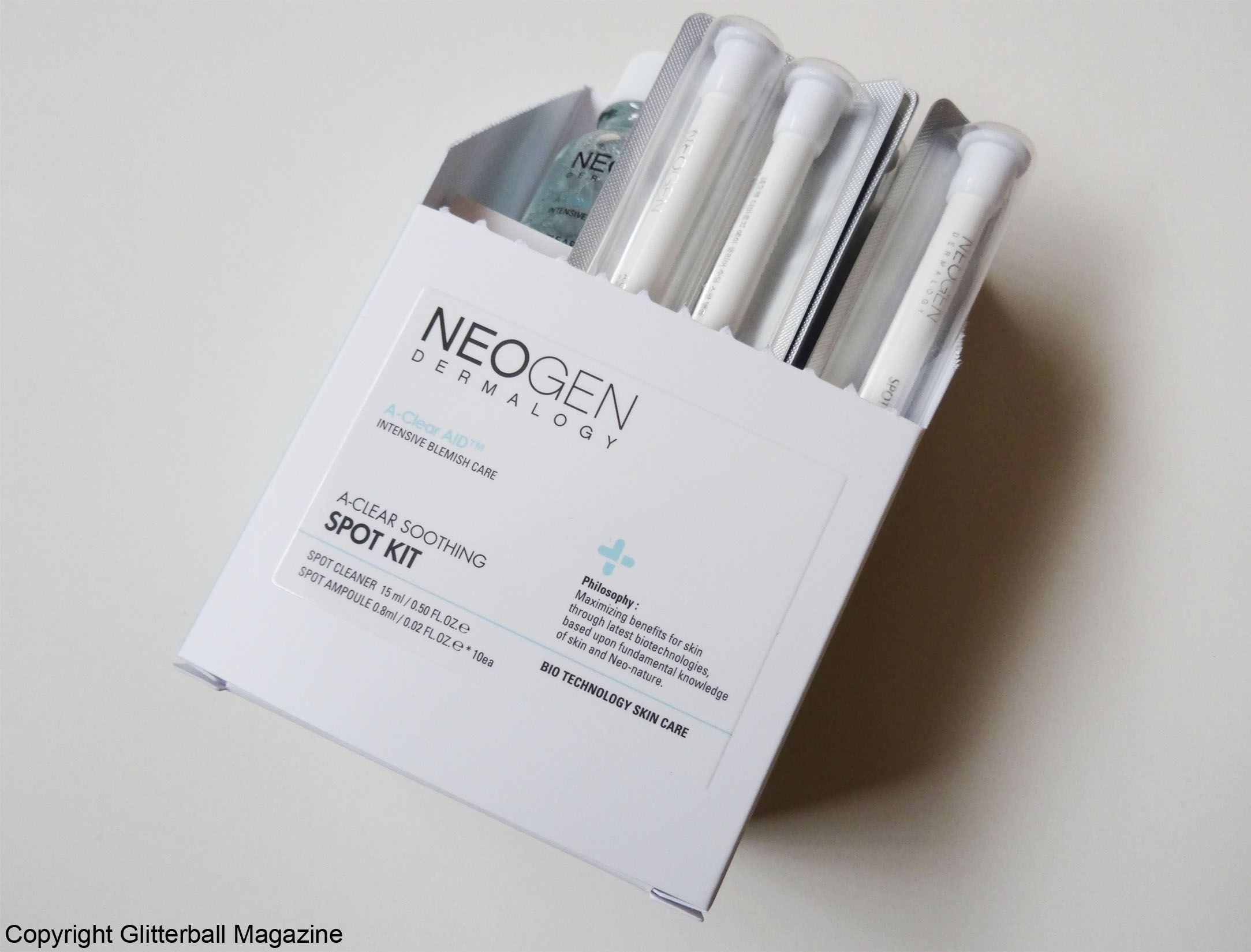 Review-Neogen A-Clear Aid Soothing Spot Kit Box Open